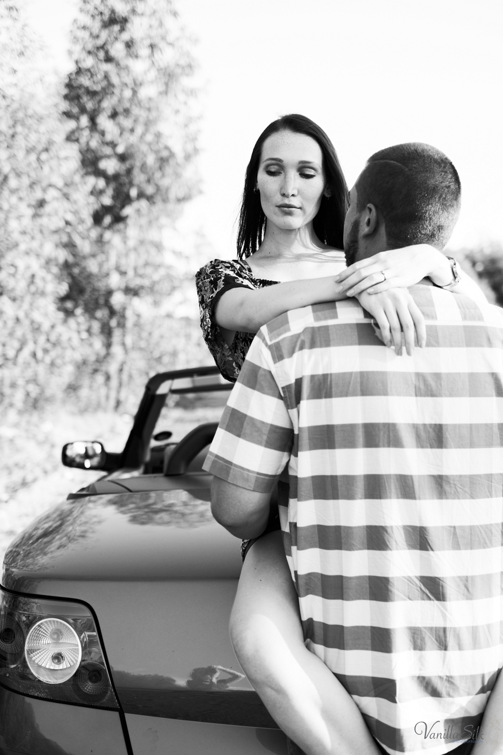 Roadtrip engagement phtoshoot Vanilla Silk